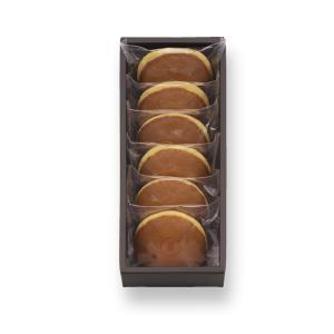 それぞれの餡に合う生地を吟味し、独特の風味をもつ百花蜜を加え、 職人が一枚一枚ていねいに焼き上げまし...