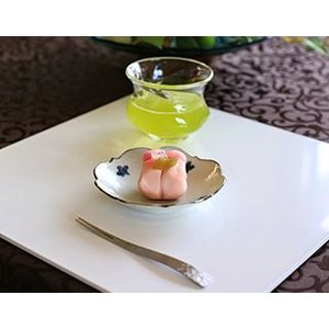 和にも洋にも。普段使いにおもてなしにも。日々の食事も折敷にのせることで、キチンと感がアップするほか、...