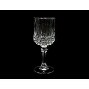 キラキラと輝くダイヤカットのワイングラス。カットの美しさ、その優雅な華やかさはテーブルで特別な存在感...