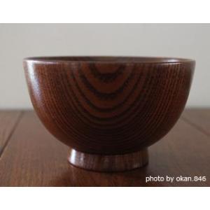 木目が美しく残る摺り漆仕上げの子供茶碗。木生地は中国産ですが、日本の職人さんたちの丁寧な仕上げで、商...