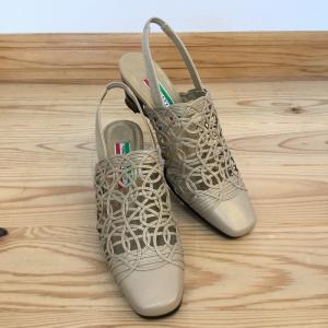 Cest Moi Meme 727 ベージュパール ストラップサンダル 店頭展示品  訳ありアウトレット レディース サンダル 靴 okamotoya