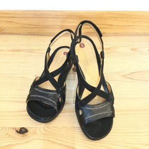Clarks クラークス 437F ブラック 黒  訳ありアウトレット  店頭展示品 ストラップサンダル レディース 靴 okamotoya