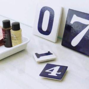 ブルーポタリー ナンバータイル 10×10 WHITE タイル/数字/DIY/ガーデニング/インテリア 北欧 雑貨 プレゼント 贈り物 お返し ギフト おしゃれ かわいい プチプ|okayulabo