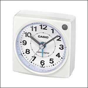 電波受信機能付きの目覚まし時計です。内蔵タイプの電子音アラームは、止めてもまた鳴るスヌーズ機能付きで...