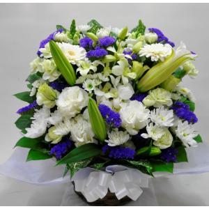 菊とユリ入り お供え お悔やみ生花アレンジメント(小)|okusa