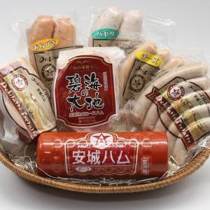 大切な原料である「豚肉」は、旨味・甘味を多く含み保水性の高い厳選した国産豚のみを使用。「塩」もドイツ...