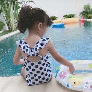 子供 水着 おしゃれ キッズ こども 女の子 ワンピース セット かわいい 120 インポート ポルカドットフリルスウィムウェア S014|olpemi