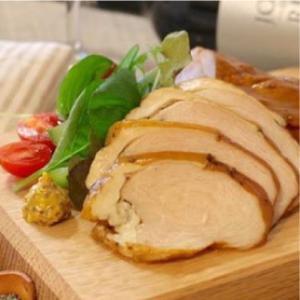 おもてなしギフト スモークチキン 伊万里の山中で育てた骨太有明鶏 を使った「山ん鶏」のロースト、スモーク、ソーセージの詰め合わせ|omotenashigift|04