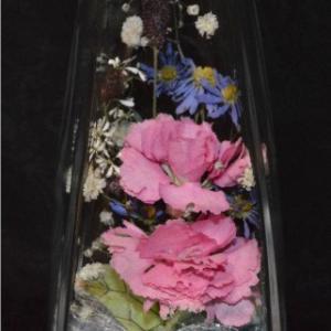 おもてなしギフト フラワーボトル 生花を色や形をそのままに、3ヶ月から半年間(保存状態によっては更に長期間)綺麗に咲かせます 四角すい型ボトル|omotenashigift|03