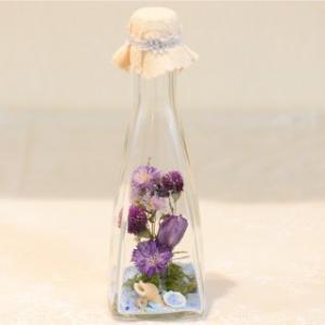 おもてなしギフト フラワーボトル 生花を色や形をそのままに、3ヶ月から半年間(保存状態によっては更に長期間)綺麗に咲かせます 四角すい型ボトル|omotenashigift|06