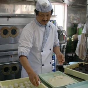 おもてなしギフト かしわ餅 広島県三次の泉屋の山帰来(サンキライ)の葉を使ったかしわ餅 プレミアムサイズ|omotenashigift|05