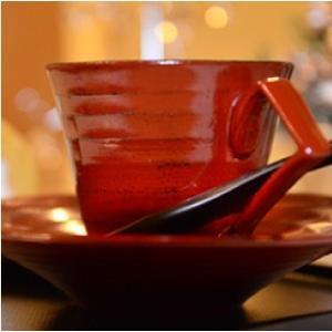 おもてなしギフト 漆の器 輪島の漆塗、美濃の陶器が出会った漆陶 二つの日本の伝統を同時に味わう まるで木のよう シダ模様のペアコーヒーカップ&ソーサー|omotenashigift|05