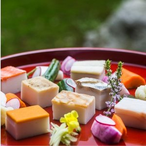 おもてなしギフト かまぼこ 富山県魚津の老舗 河内屋の伝統の昆布巻き蒲鉾と鮨蒲のセット|omotenashigift|04