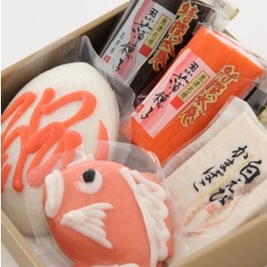 おもてなしギフト 細工かまぼこ 魚津の尾崎かまぼこ館オリジナルの細工かまぼこを代表する鯛のかまぼことお絵描きかまぼこのセット(B)|omotenashigift|02
