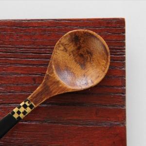 おもてなしギフト ベビースプーン 魚津漆器の職人が作るお食い初めスプーン 指物師、塗り師、金箔工芸士が結集した逸品|omotenashigift|06