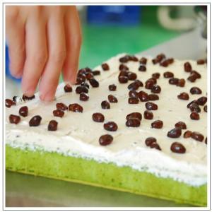 【抹茶ロールケーキ】 おおむらロールカット 抹茶ロールケーキ和三盆生クリームカットピース 5個入|omuraen|04