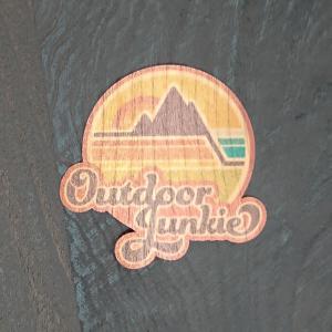 【期間限定Pアップ】WOOD STICKER Outdoor Junkie ウッド ステッカー 木 シール 車 バイク 自然素材 生分解素材 おしゃれ かっこいい|or-select
