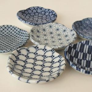 和食器 和皿 おしゃれな陶器の小皿 印判 梅小鉢 日本製|oriji