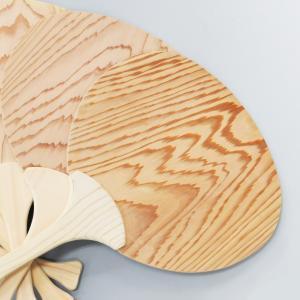 木のうちわ 国産 ヒノキ使用  団扇 夏祭り 浴衣 檜の香り|orite