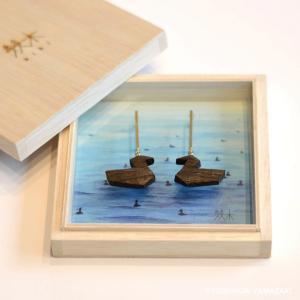 国産木材使用  木彫アクセサリー ピアス かいつぶり (ジンダイケヤキ)|orite