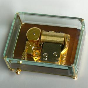 曲目選択 30弁ガラスケース/ウォールナット台 高級オルゴール サービスプレート付き|orugoruya