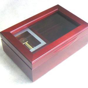 曲目選択 30弁ガラス窓小物入れ(リングさし付き 色:ワイン)フローラル 高級オルゴール サービスプレート付き|orugoruya