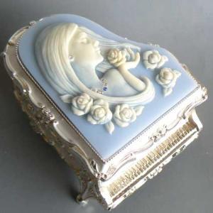 ピアノ型カメオ付き宝石箱(女性) ブルー/ノクターン/アンチモニーオルゴール |orugoruya
