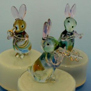 大塚ガラス(うさぎの楽隊 3種) 動物楽器回転オルゴール ウサギ|orugoruya