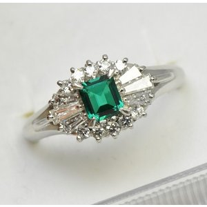 京セラ クレサンベール 綺麗なエメラルド リング 12.5号|osaka-jewelry