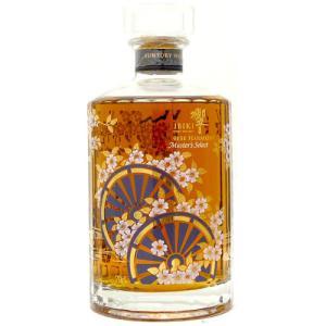 響マスターズセレクトの海外向け限定ボトルです。シェリー樽で20年以上熟成されたシングルモルトと、バー...