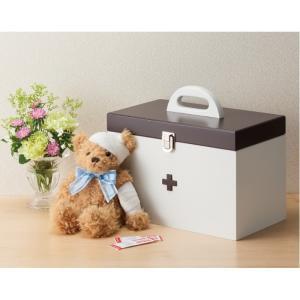 ご家庭の常備薬をまとめて管理でき持ち運びに便利。 とってもおしゃれで、かわいい木製の救急箱です。 お...