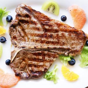 熟成肉 Tボーン ステーキ(骨付きステーキ) Tボーンステーキ 約400g オーストラリア産 穀物肥育(グレンフェッド) 骨付き牛肉 otokonodaidokoro