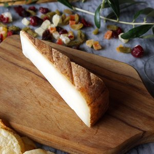 羊乳 セミハード チーズ オッソー イラティ AOP 約80g 60~90日熟成 フランス産 毎週水・金曜日発送 otokonodaidokoro