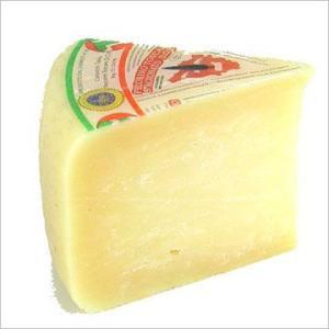 羊乳 セミハード チーズ ペコリーノ トスカーノ スタジオナート 約500g イタリア産 不定貫 K gあたり7,426円(税込) 毎週水・金曜日発送 otokonodaidokoro