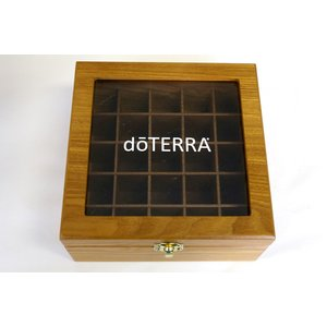 ドテラ ウッドボックス ライトブラウン 窓付き doTERRA 木箱 エッセンシャルオイル 精油 整理箱 ガラストップの写真