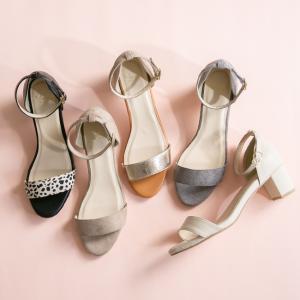 ベーシックな服になじむ、上品シンプルサンダル。 どの色を選んでも間違いなし!選べる8カラー展開。 ス...