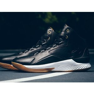 1298700-001 UNDER ARMOUR CURRY 1 LUX MID LEATHER BLACK/GUM LIMITED 600 PAIRS アンダーアーマー ステフィンカリー  600足限定 レザー ブラック ガム outnumber