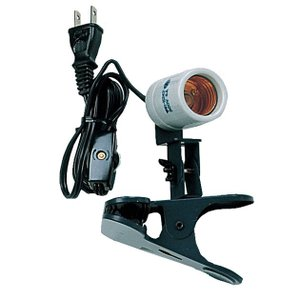 200Wまで使用可能 コンパクトでスペースを取らない 中間スイッチ付きで点灯・消灯が便利 滑りにくい...