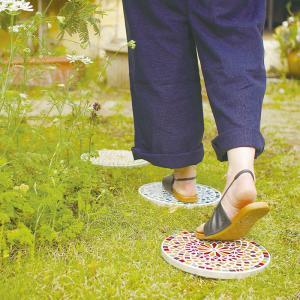ステップストーン モザイク ラウンド ガラス ブルー オレンジ イエロー  ガーデンプレート お庭 ガーデニング おしゃれ コイン DIY アンティーク|p-comfort