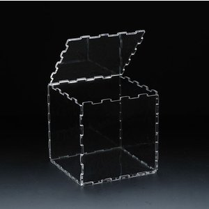 アクリルキューブディスプレイケース 独自ジョイント特許技術により、組み立て分解を自由に楽しめます。|paddy-field