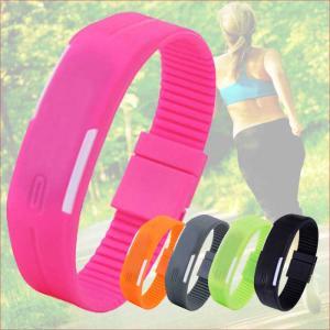 シリコン 腕時計 メンズ 腕時計 レディース腕時計 時計 防水 デジタル ラバー シリコン FASHION腕時計 スポーツ カラフルウォッチ おしゃれ シンプル ビジュアル