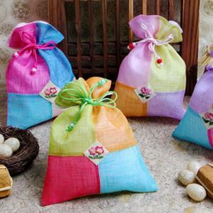 韓国雑貨 韓国伝統 アクセサリー 韓国伝統巾着(中) 韓国伝統の模様を付けた巾着です 花の刺繍がとてもカワイイです 韓国のお土産にもピッタリ!!母の日 ギフト|pancoat