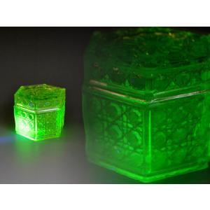 ウランガラス 小物入れ 六角 蓋付き アンティーク カッティング 1801-497|passage-bm
