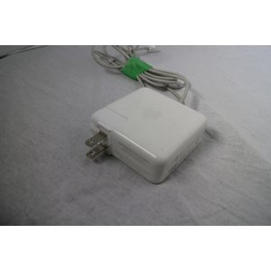 AD1006☆Apple MagSafe Power Adapter 電源アダプター 60W A1184【中古】