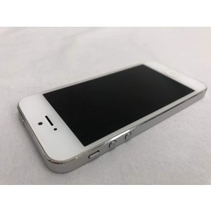 (中古) iPhone 5 32GB ホワイト&シルバー /ND144J/A 、au|pcones