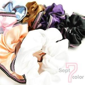サテンシュシュ シンプルなワンカラー ピンク刺繍ライン入りデザイン (4色展開)|peachy