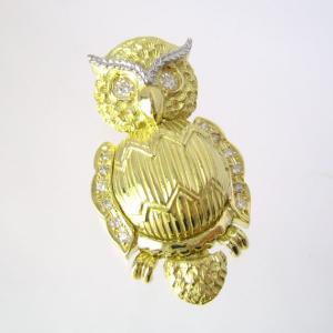 【製作を終了しました】幸福 ふくろう(不苦労) ダイヤ入り ペンダントトップ (チェーン無し)|pendant