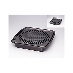 カセットコンロ専用アクセサリーの焼肉グリルです。本格派鉄鋳物を使用。余分な油がプレートから下の受け皿...