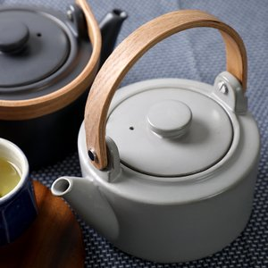 直火土瓶 小 700ml SALIU 日本製 天然木柄 LOLO JAPAN 墨/灰 美濃焼 LOLO 土瓶 急須 やかん 39011/39022|phezzan