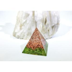 オルゴナイト 型 金運 天然石 ペリドット ミニピラミッド型|philan